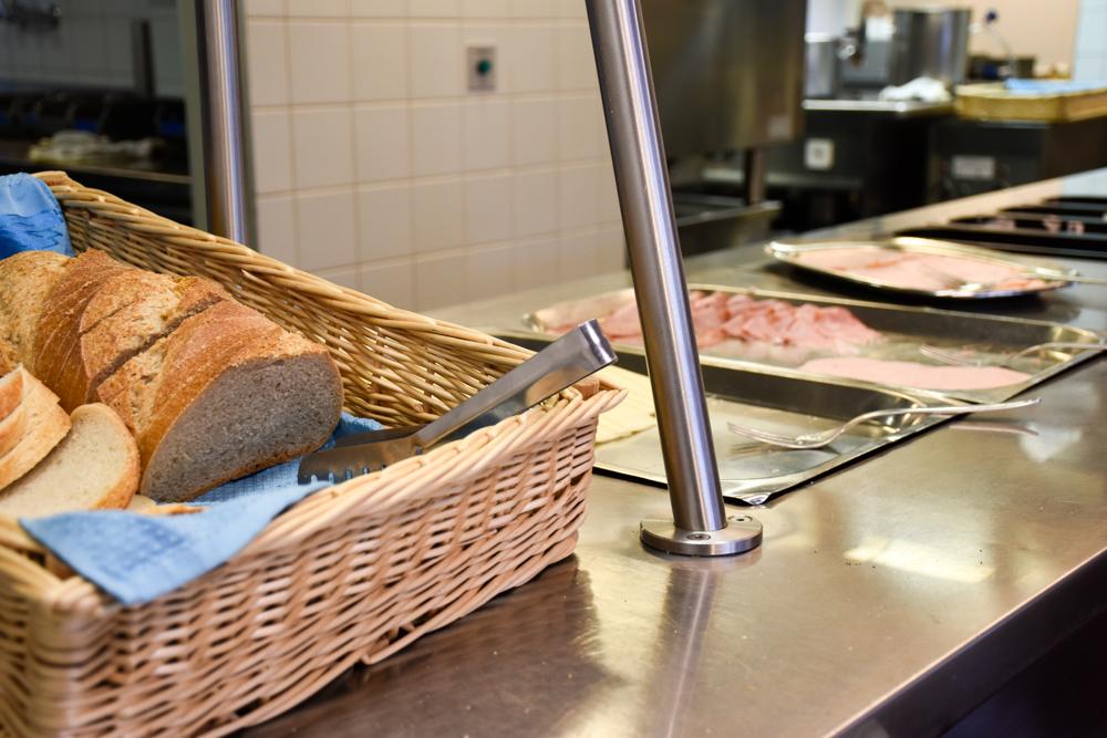 Unterkunft Zermatt Schweiz Jugendherberge Zermatt Frühstücksbuffet