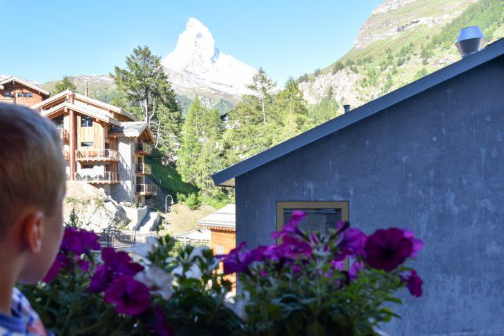 Unterkunft Zermatt Schweiz Jugendherberge Zermatt mit Blick aufs Matterhorn