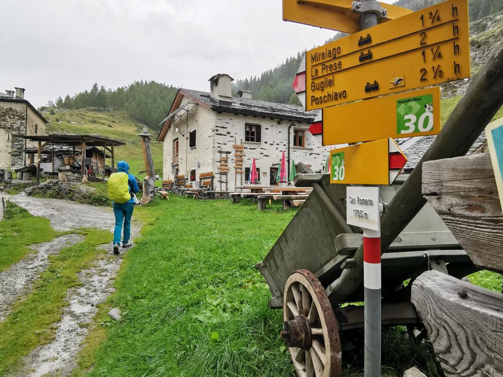 Weekend in der Valposchiavo Graubünden Schweiz Ankunft auf der Alpe San Romerio