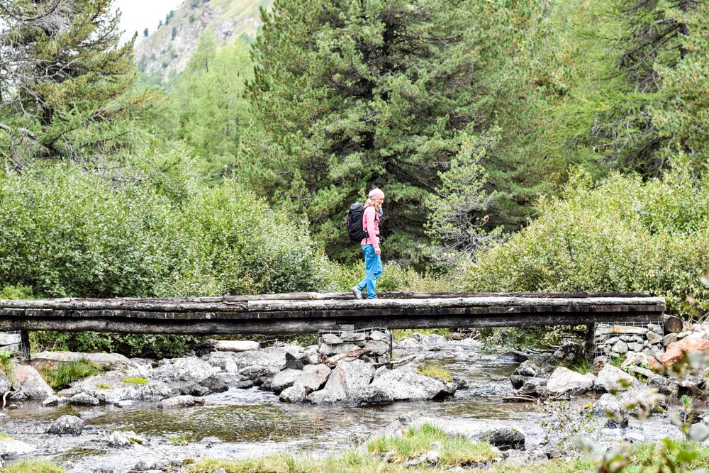 Weekend in der Valposchiavo Graubünden Schweiz Brücke im Val di Campo