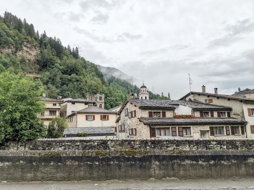 Weekend in der Valposchiavo Graubünden Schweiz Poschiavo mit seinen hübschen Häuser