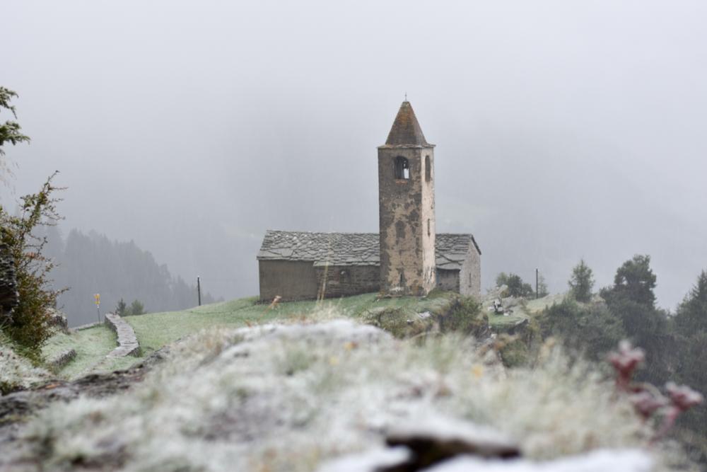 Weekend in der Valposchiavo Graubünden Schweiz San Romerio im Schnee