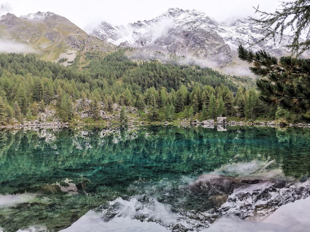 Weekend in der Valposchiavo Graubünden Schweiz Spiegelbild Lagh da Saoseo