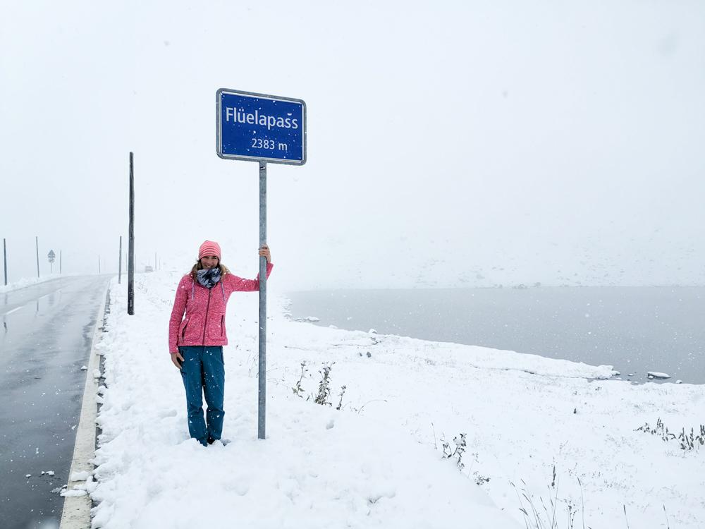Weekend in der Valposchiavo Graubünden Schweiz Travel Sisi auf dem Flüelapass im Schnee