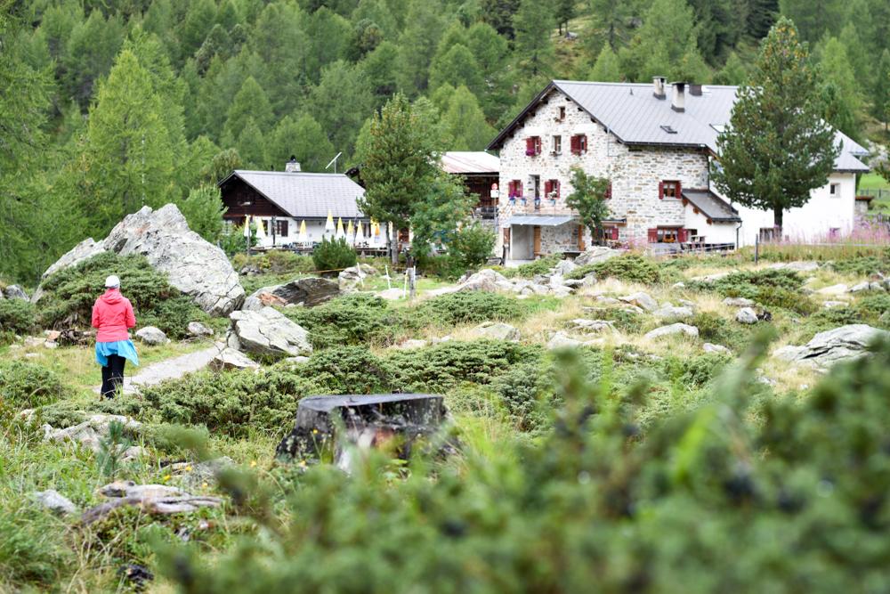 Weekend in der Valposchiavo Graubünden Schweiz auf dem Weg zum Ristoro Alpe Campo