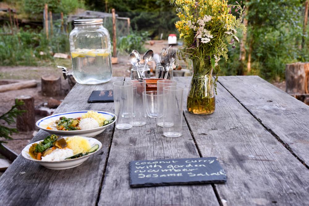 Glamping Lahemaa Nationalpark Estland Projekt Kodu Abendessen