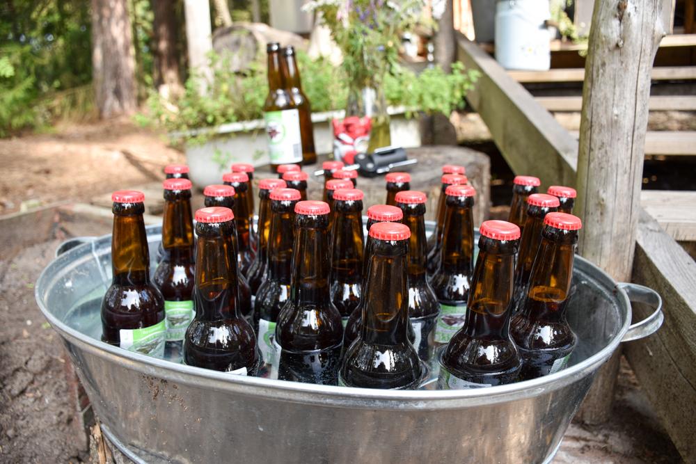 Glamping Lahemaa Nationalpark Estland Projekt Kodu lokales Bier