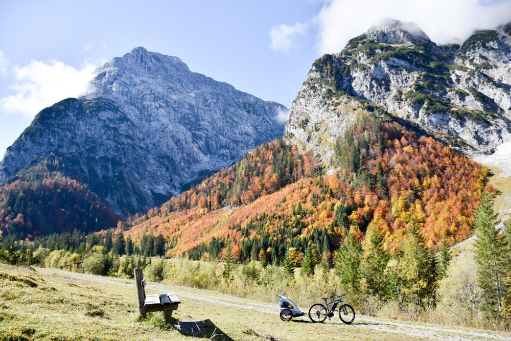 Herbstferien Achensee Tirol Österreich mit Kindern E-Bike Tour Naturpark Karwendel
