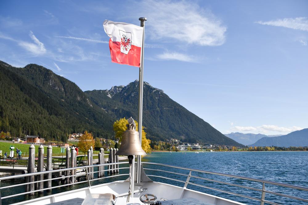 Herbstferien Achensee Tirol Österreich mit Kindern Schiff auf dem Achensee