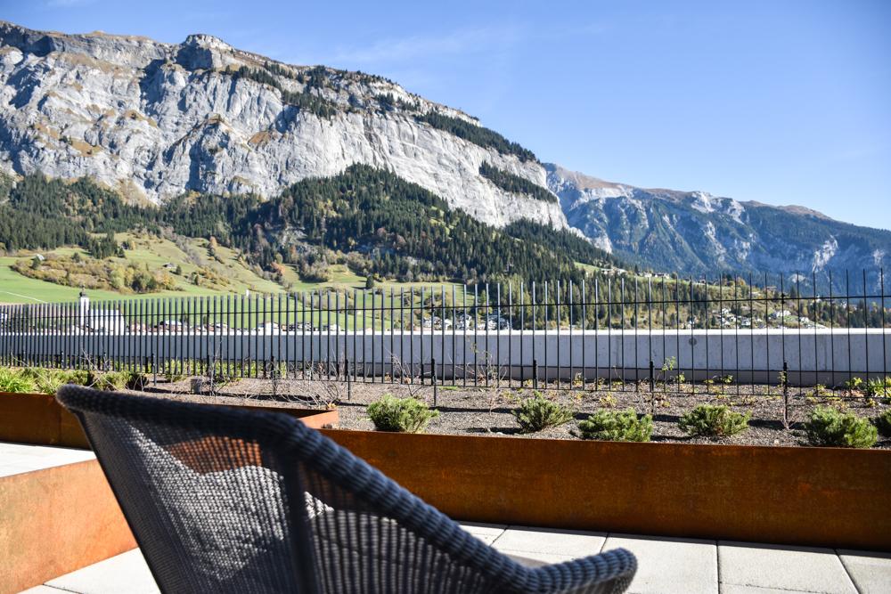 Hoteltipp Flims Schweiz The Hide Hotel Aussicht vom Balkon