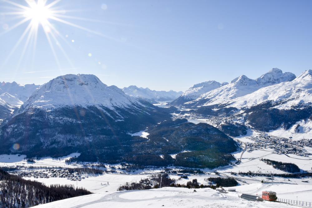Schlittelbahnen Graubünden Schweiz Aussicht Muottas Muragl Engadin