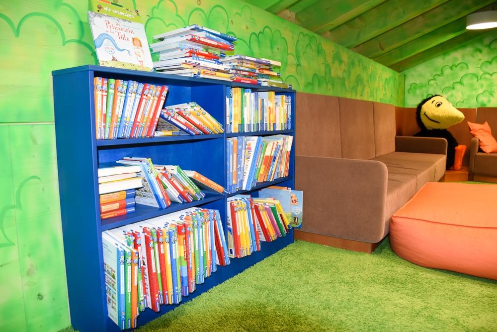 Unterkunftstipp Brigels Graubünden Schweiz Pradas Resort Büchernest im Kids Club