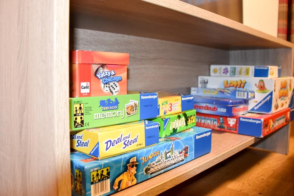 Unterkunftstipp Brigels Graubünden Schweiz Pradas Resort Spielepaket in der Wohnung