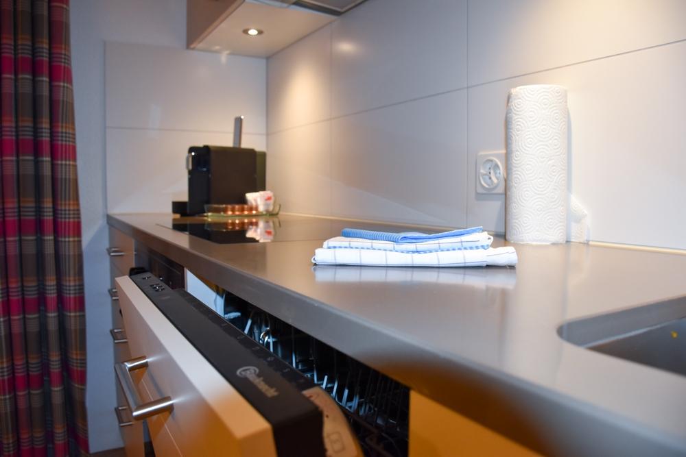 Unterkunftstipp Brigels Graubünden Schweiz Pradas Resort voll ausgestattete Küche