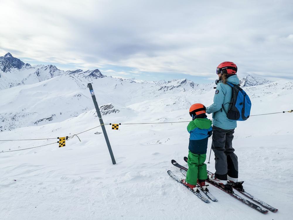 Winter Weekend Savognin Graubünden Schweiz Blick vom Piz Martegnas
