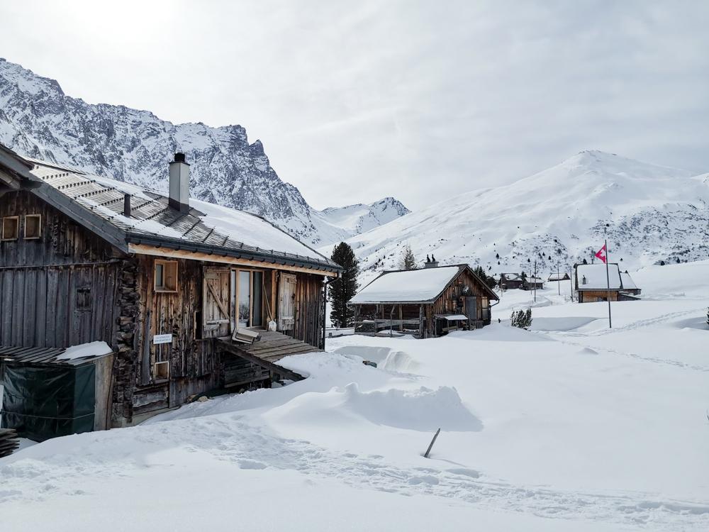 Winter Weekend Savognin Graubünden Schweiz Chalets im Schnee