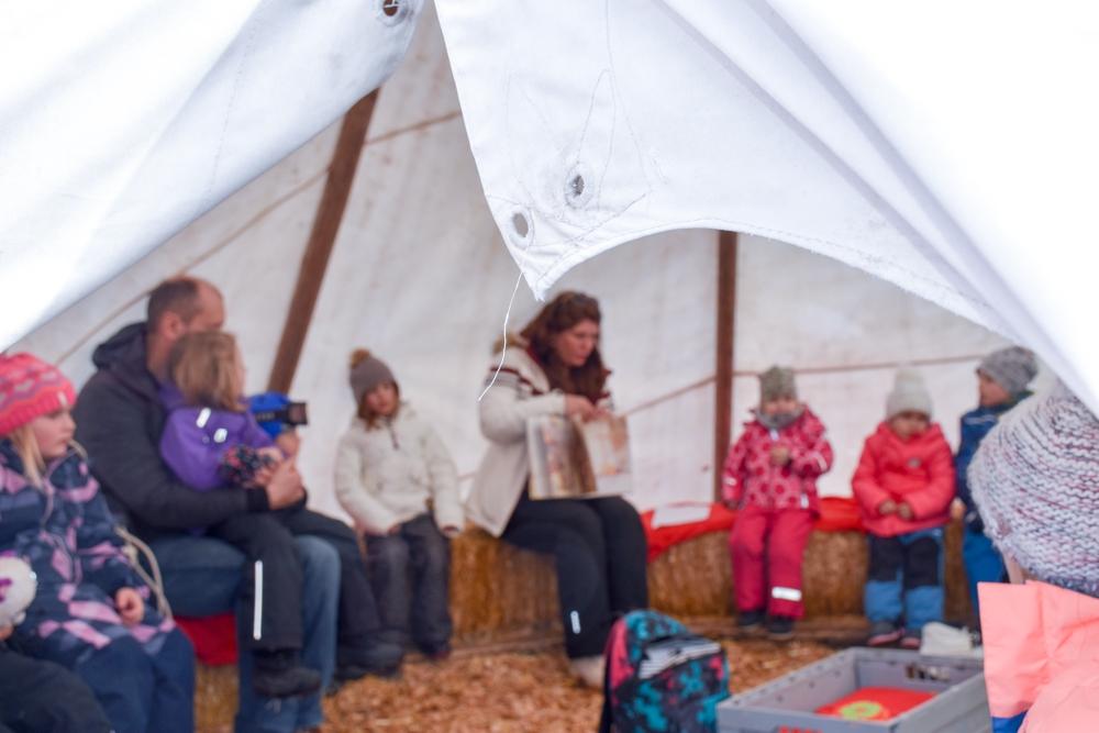 Winter Weekend Savognin Graubünden Schweiz Kinder-Winterfest Märli im Tipi