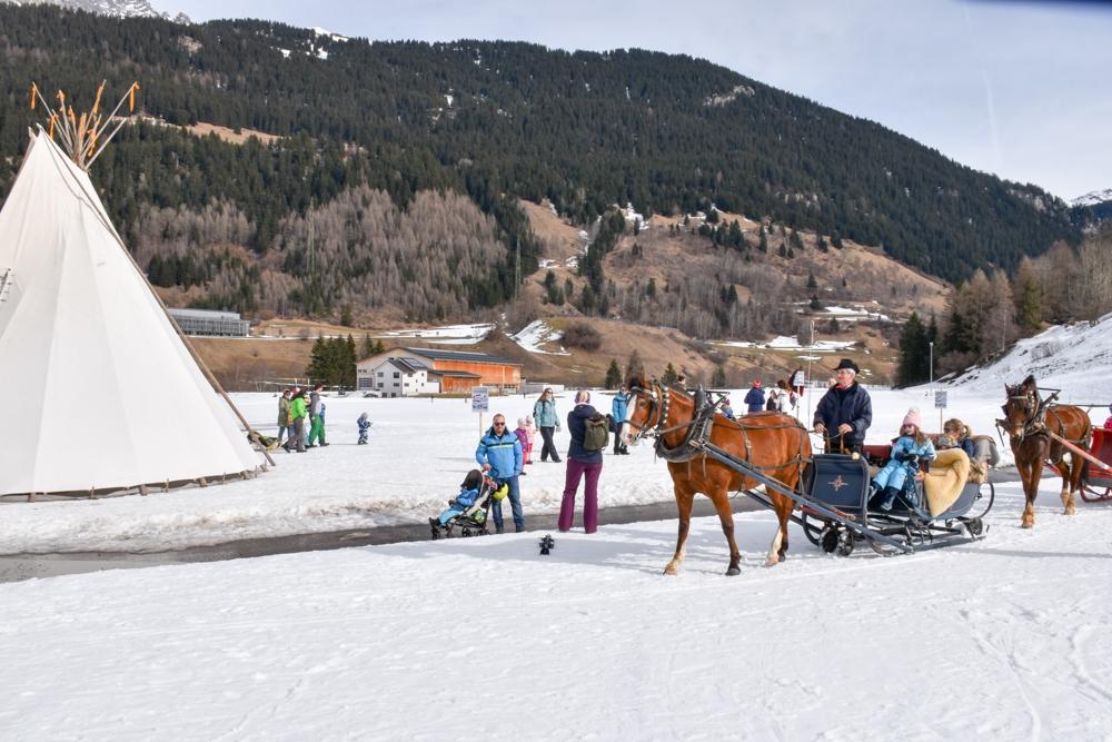 Winter Weekend Savognin Graubünden Schweiz Kinder-Winterfest Pferdekutsche