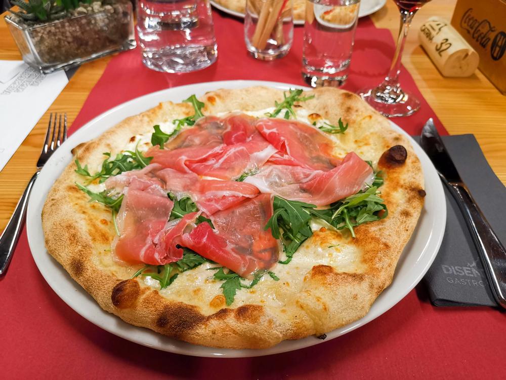 Catrina Resort Unterkunfttipp Disentis Graubünden Schweiz Pizzeria vom Weltmeister im Stiva Ursus