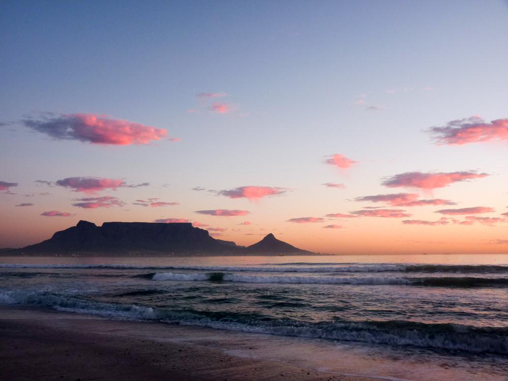 Corona in Südafrika Erfahrungsbericht einer Einheimischen Sonnenuntergang Bloubergstrand