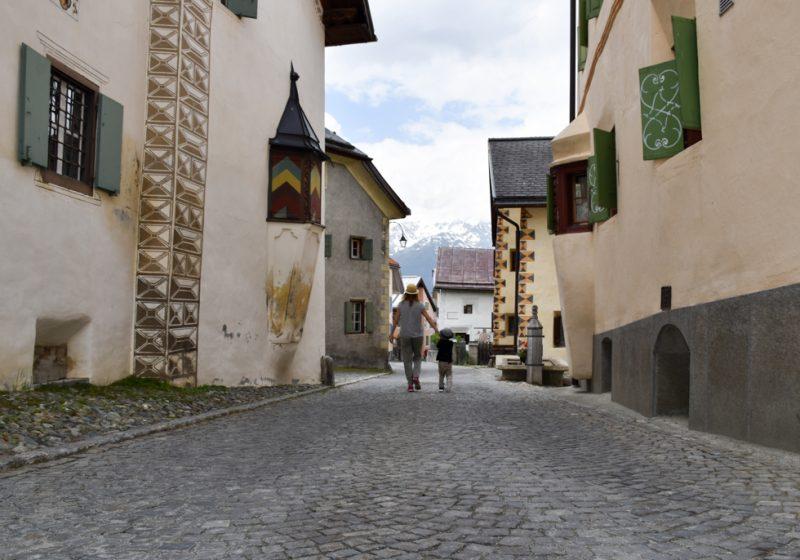 Guarda und der Schellen-Ursli Weg Engadin Graubünden Schweiz