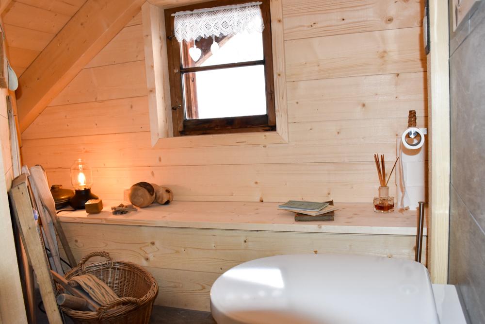 Unterkunftstipp Heimeli Sapün Arosa Graubünden Schweiz neu renovierte Gemeinschaftsbadezimmer