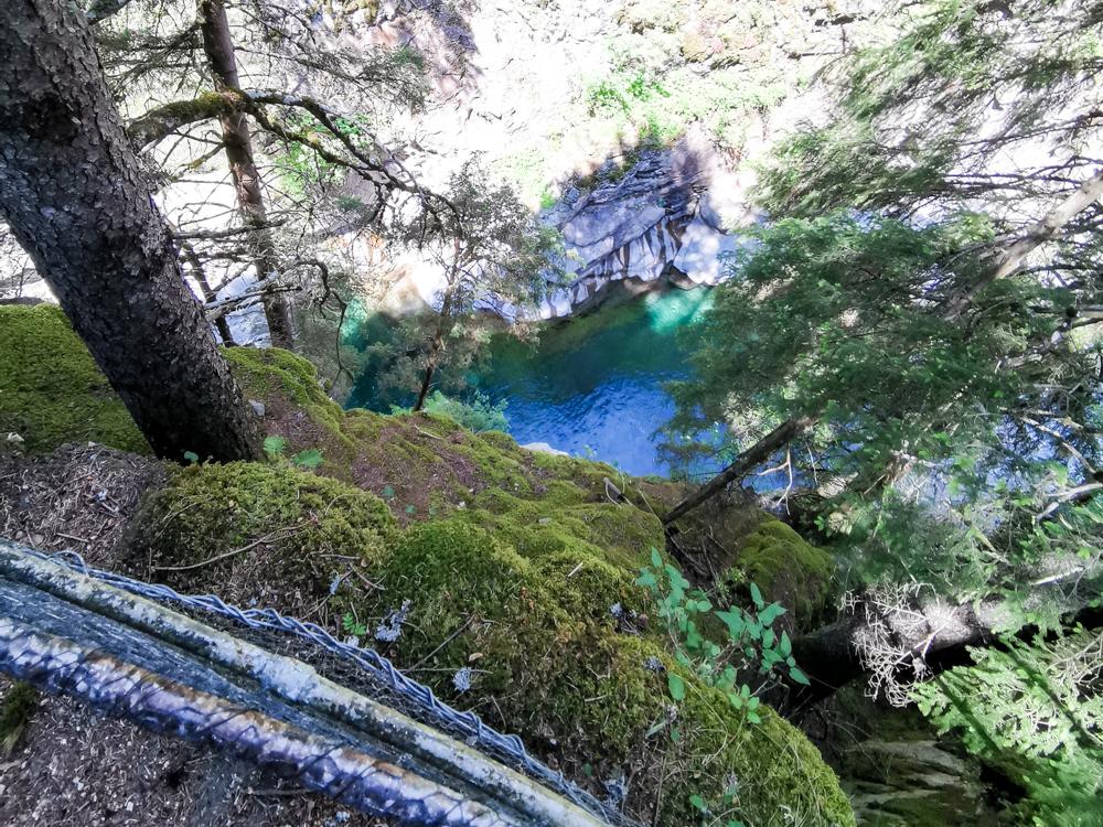 Ausflugstipp Rofflaschlucht Graubünden Schweiz Blick vom Weg in die Schlucht