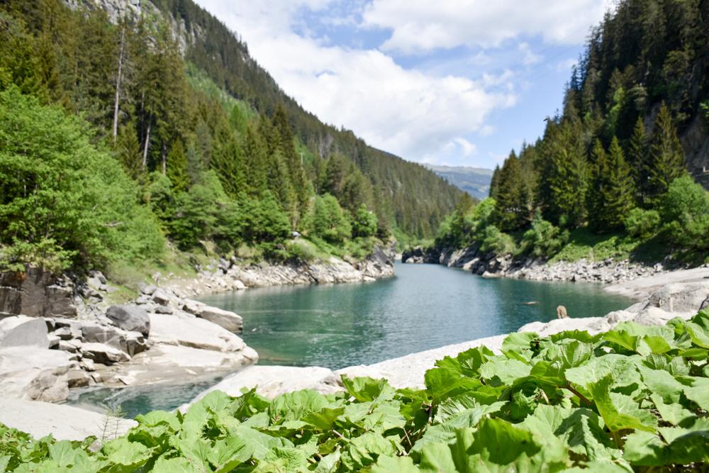 Ausflugstipp Rofflaschlucht Graubünden Schweiz wunderschöner Platz neben der Schlucht