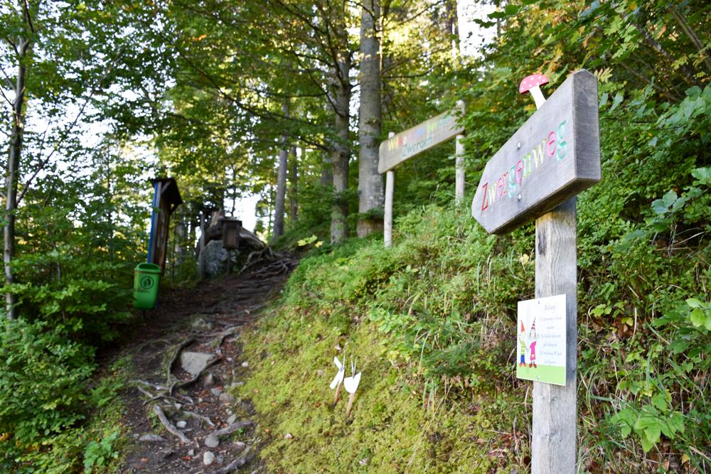 Ausflugstipp Zwergenweg Klosters Graubünden Schweiz Start vom Themenweg