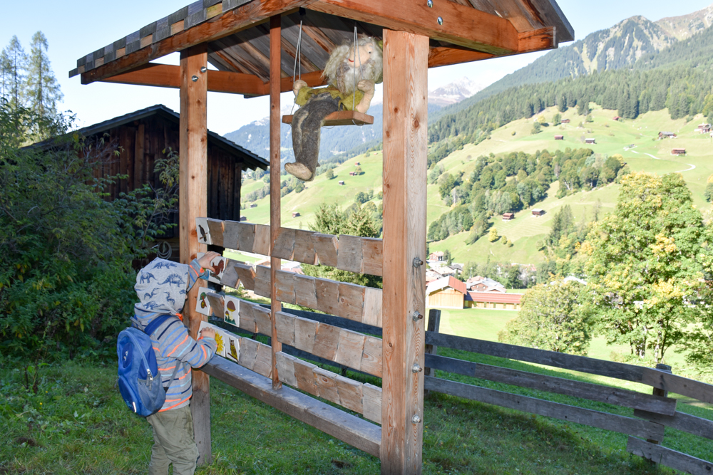 Ausflugstipp Zwergenweg Klosters Graubünden Schweiz Zwergenmemory
