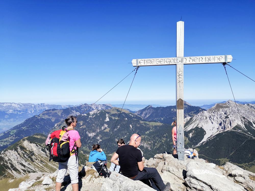 Wanderung Liechtenstein Fürstin-Gina-Weg Pfälzerhütte Kreuz auf dem Augstenberg