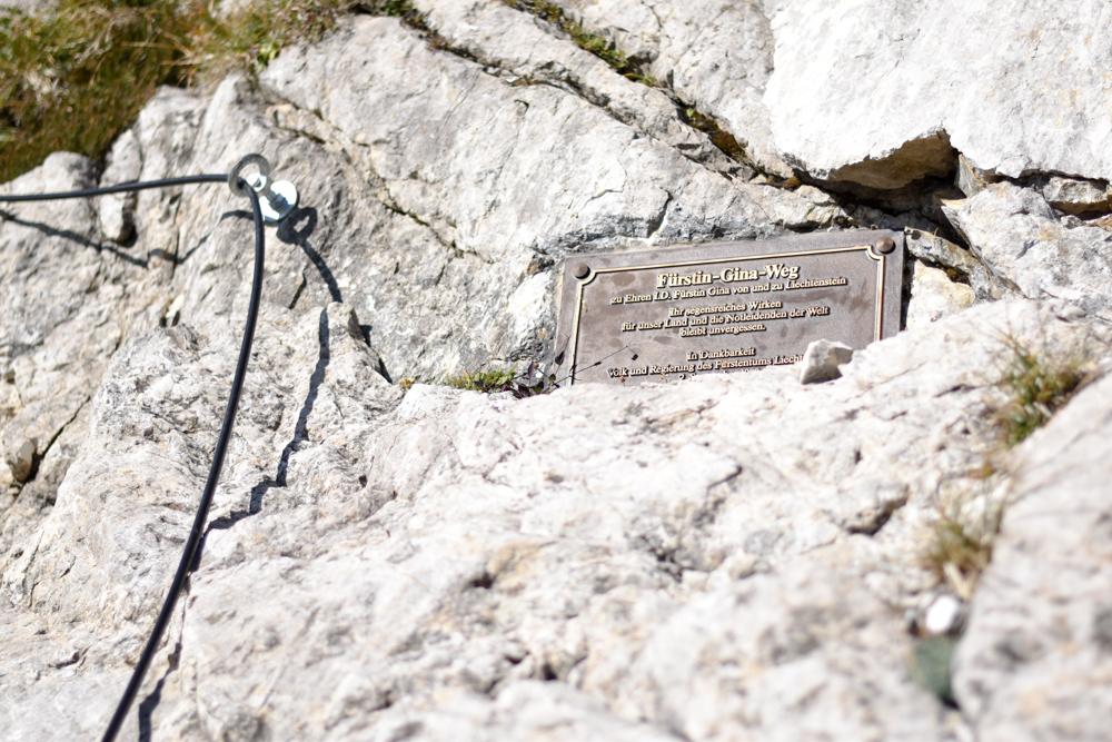 Wanderung Liechtenstein Fürstin-Gina-Weg Pfälzerhütte Schild
