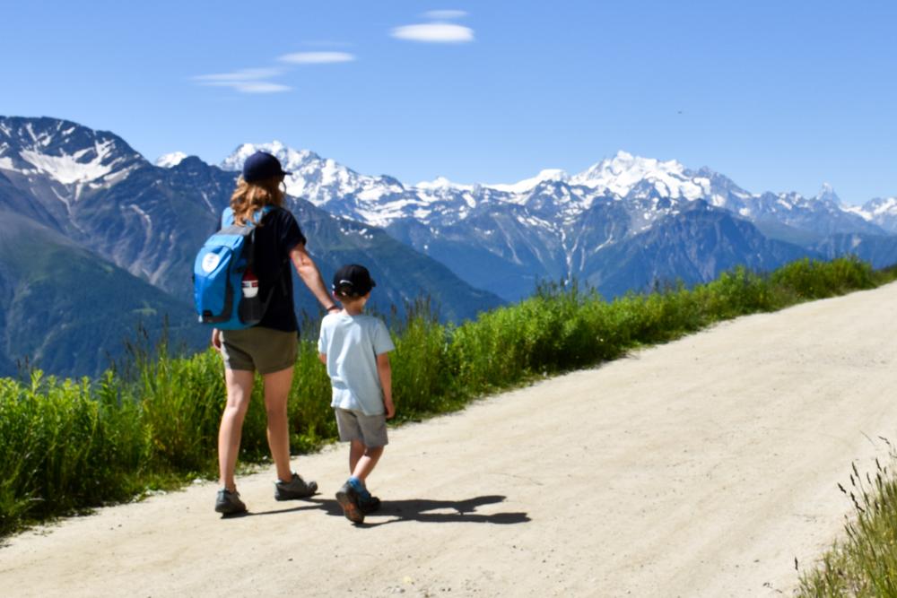 Familienwochenende Aletsch Arena Wallis Schweiz familienfreundliche Wanderung Herrenweg Fiescheralp Bettmeralp