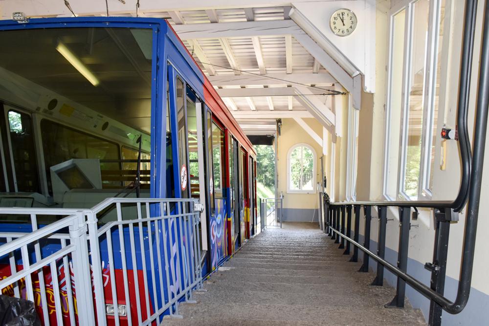Reisetipps Neuchatel Neuenburg Schweiz Bahn auf den Chaumont