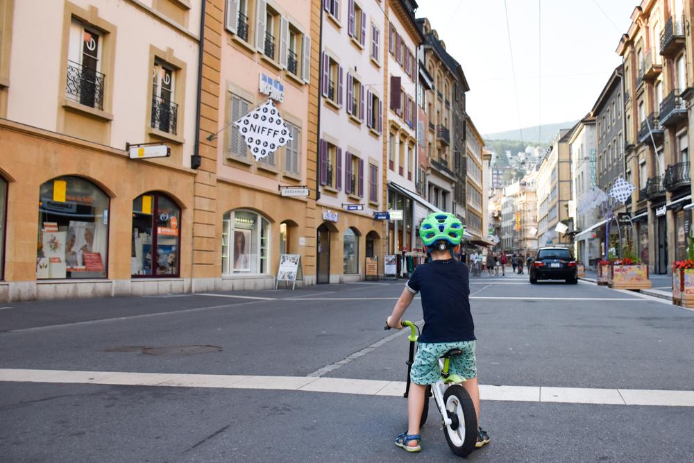 Reisetipps Neuchatel Neuenburg Schweiz kleiner Globetrotter unterwegs in der Altstadt