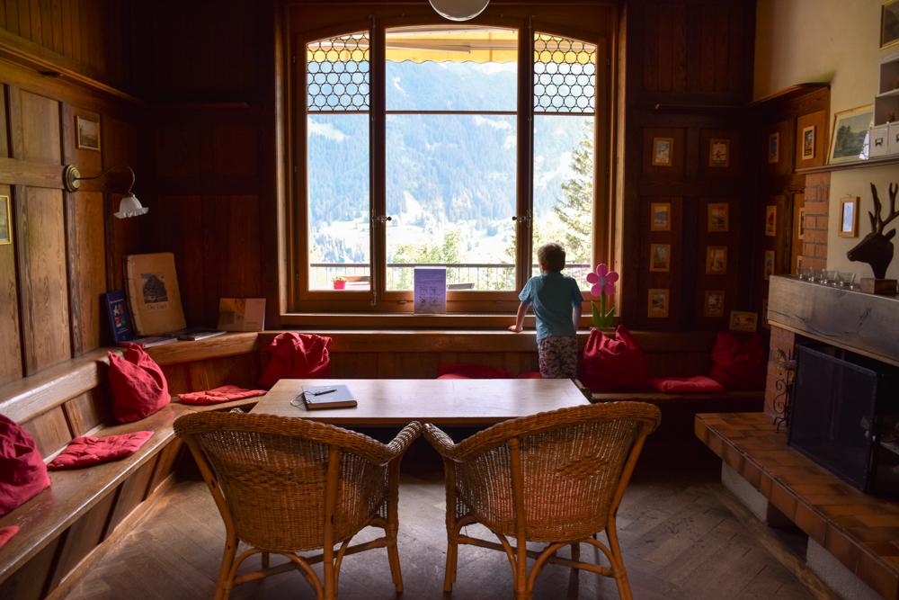 Unterkunft Berner Oberland Schweiz Bienenkorb Jugendherberge Grindelwald Kaminzimmer