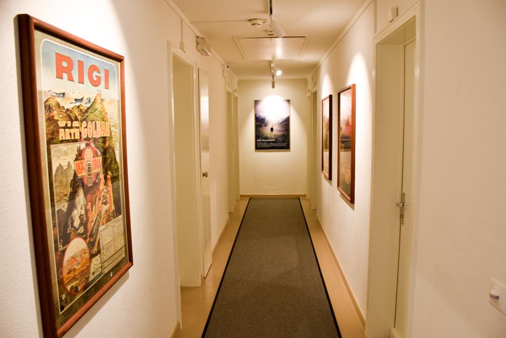 Unterkunft Weggis Vierwaldstättersee Schweiz Wanderlust Guesthouse Gang zum Zimmer