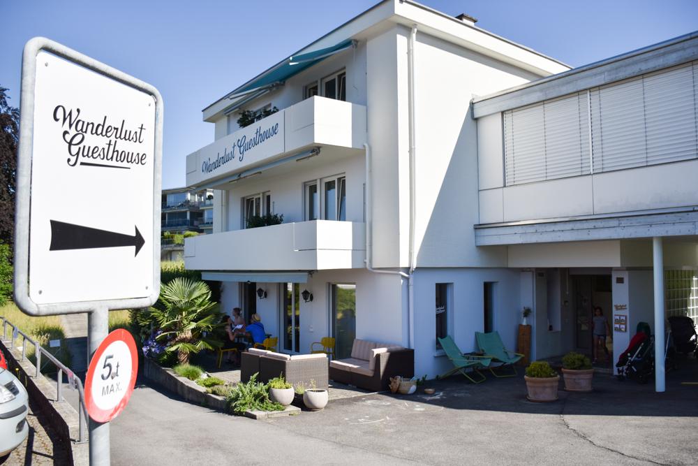 Unterkunft Weggis Vierwaldstättersee Schweiz Wanderlust Guesthouse Gebäude