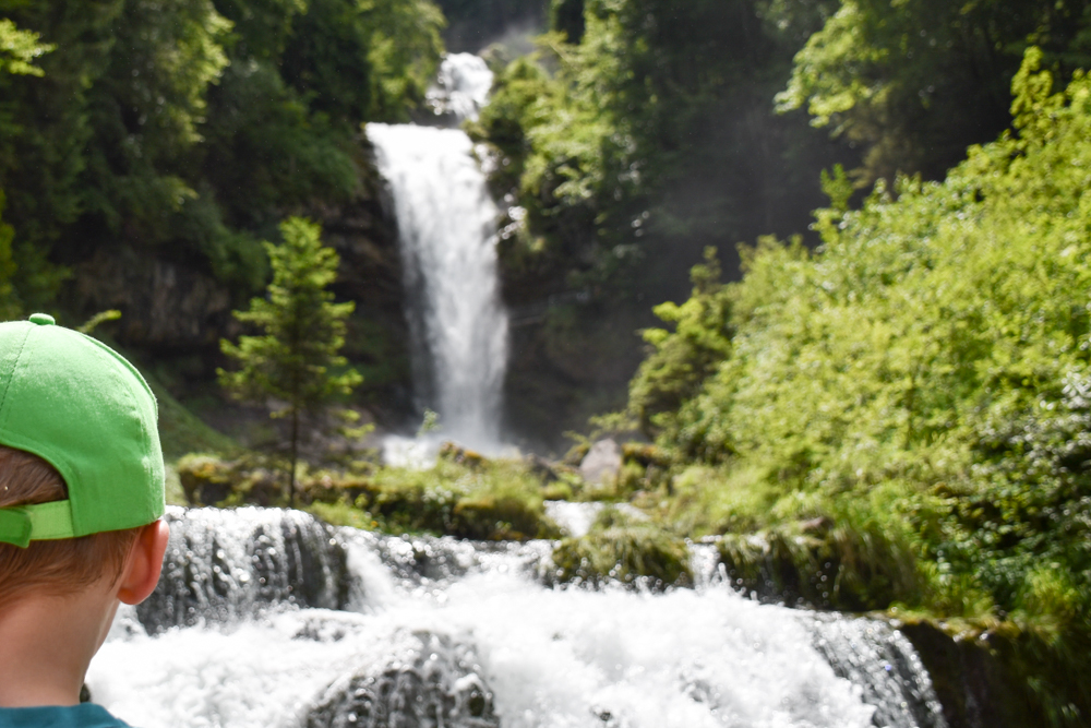 Ausflugstipp Giessbachfälle Brienzersee Interlaken Schweiz Aussicht auf die Giessbachfälle