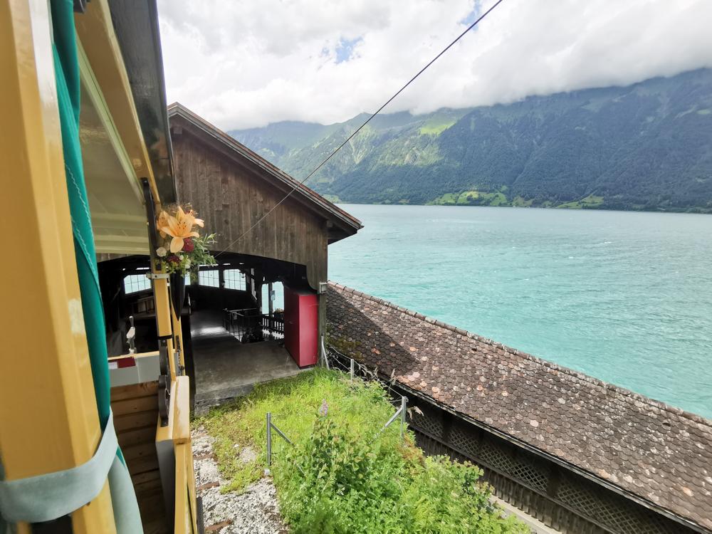 Ausflugstipp Giessbachfälle Brienzersee Interlaken Schweiz mit der Giessbach Bahn zum Seeufer