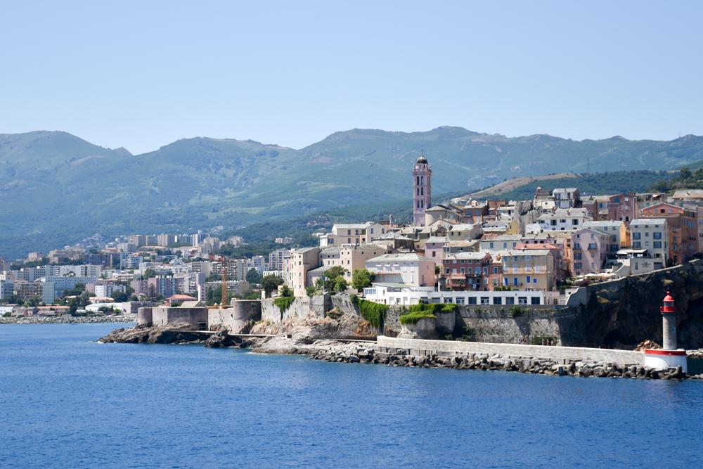 Camping Rundreise Korsika Ankunft mit der Fähre Moby in Bastia