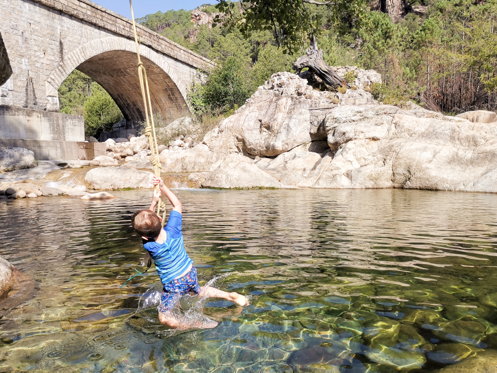 Camping Rundreise Korsika Campingplatz U Ponte Grossu Fluss Solenzara