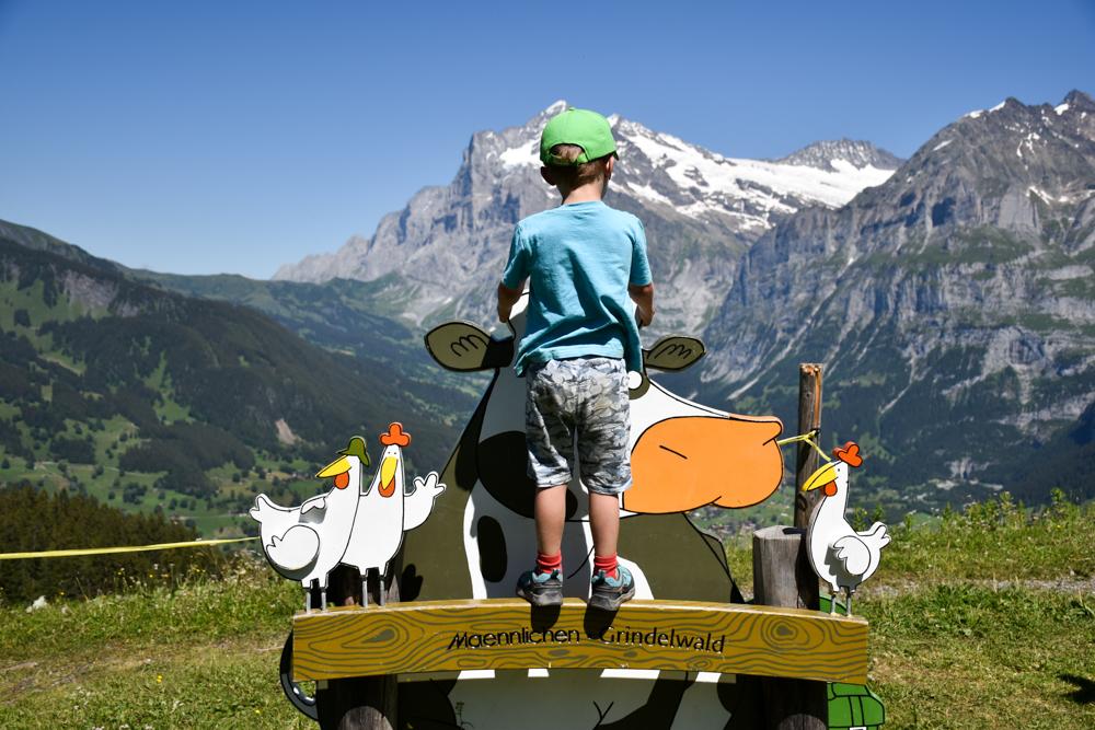 Familienausflug Lieselotteweg Männlichen Grindelwald Berner Oberland Schweiz Foto mit Lieselotte