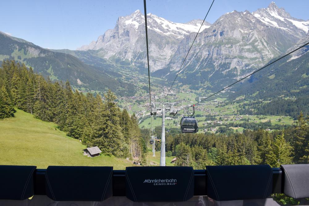 Familienausflug Lieselotteweg Männlichen Grindelwald Berner Oberland Schweiz Rückfahrt nach Grindelwald mit Männlichenbahn