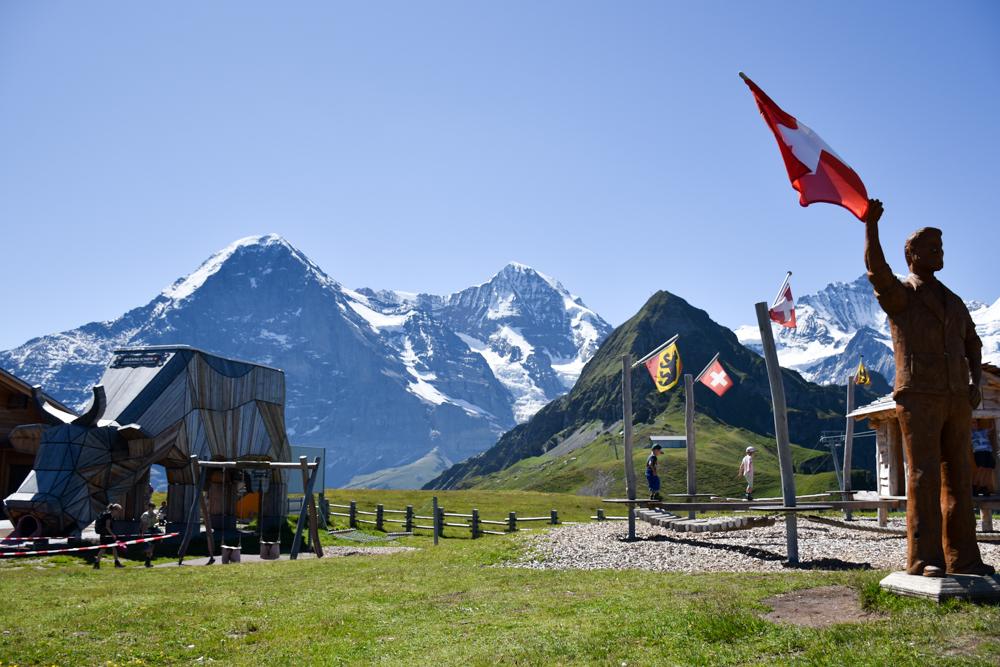 Familienausflug Lieselotteweg Männlichen Grindelwald Berner Oberland Schweiz Sennenspielplatz