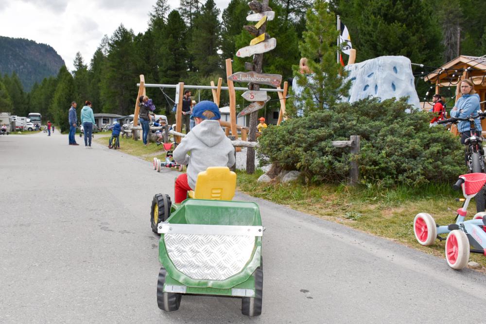 Entscheidung Camper kaufen Spiel und Spass auf dem Campingplatz