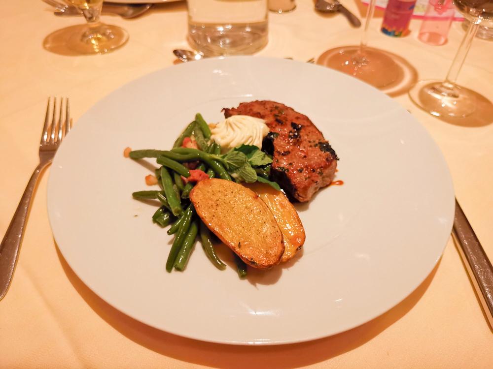 Familienwochenende Serfaus Tirol Österreich Abendessen