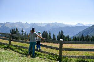 Familienwochenende Serfaus Tirol Österreich Aussicht geniessen Piratenweg