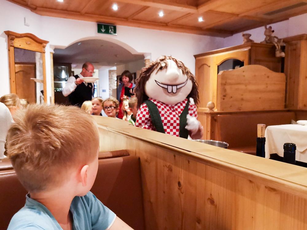 Familienwochenende Serfaus Tirol Österreich Furgli im Restaurant Familienhotel Furgler