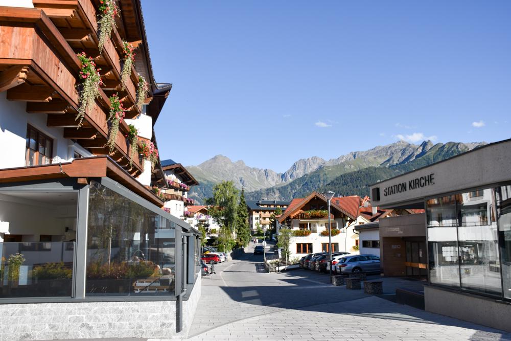 Familienwochenende Serfaus Tirol Österreich Serfaus Aussicht auf die Berge